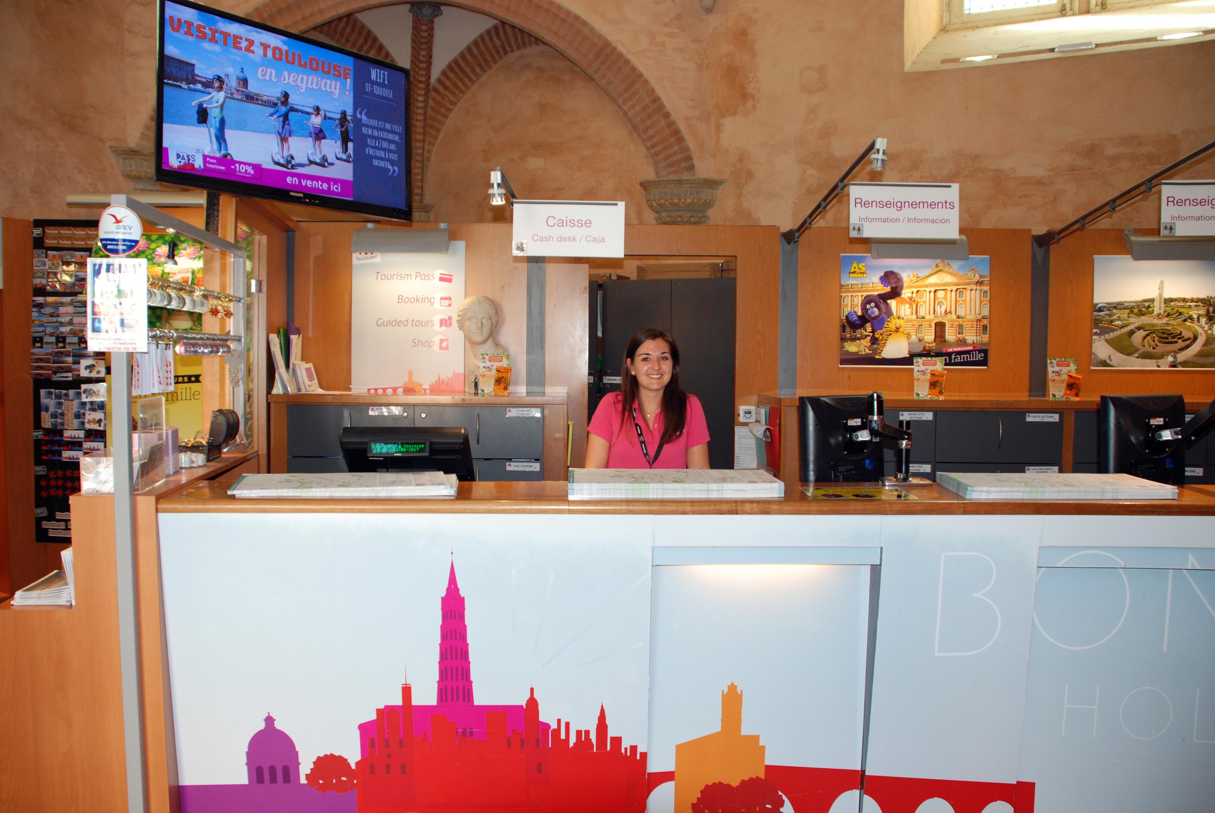 Le donjon du capitole ou tour des archives toulouse site et monument historiques - Office de tourisme de toulouse ...