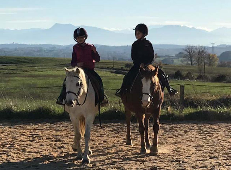 Centre équestre Les farfadets -A cheval  -  Escanecrabe