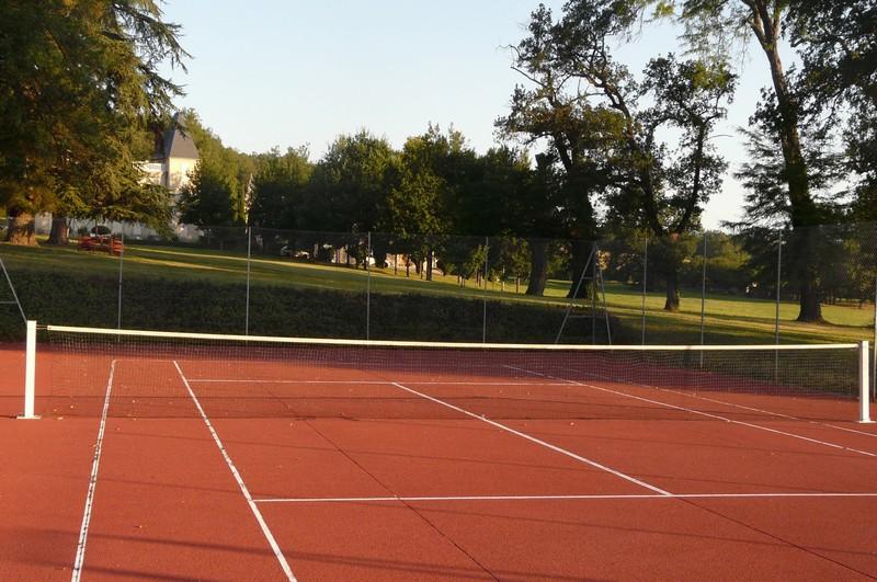 La Bousquetarié-tennis800x600